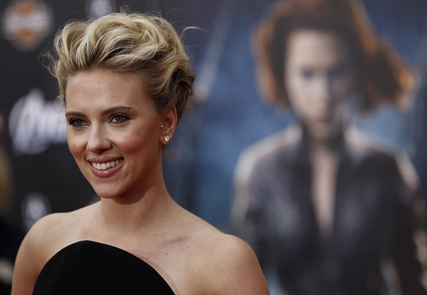 """You Go ScarJo! The Star of the New """"Ghost In The Shell""""Reboot."""
